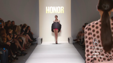 HONOR-MERCEDES-BENZ-FASHION-WEEK-SPRING-2012-COLLECTIONS-0-46-screenshot-374x210