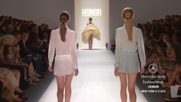 HONOR-MERCEDES-BENZ-FASHION-WEEK-SPRING-2012-COLLECTIONS-0-55-screenshot-374x210