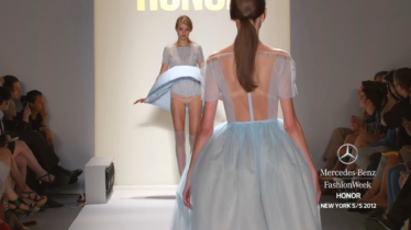 HONOR-MERCEDES-BENZ-FASHION-WEEK-SPRING-2012-COLLECTIONS-1-15-screenshot-374x210