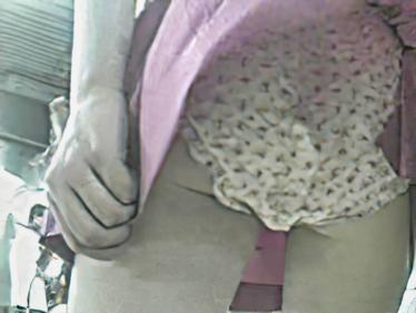 風中の少女4 風に舞うスカート