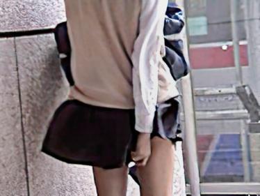 風中の少女6 風に舞うスカート