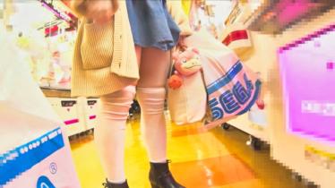 巨乳ロ●っ娘オタクJ●!!胸チラ・乳首チラ・パンチラGET!!