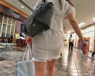 奇跡!完全に白下着が透っけすけな お姉さん極レアです:前編★超おすすめ!【極♀尻 056】