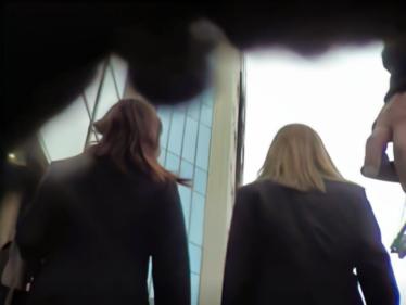 [001]帰宅途中の金髪制服ちゃん2人組、粘着パンチラ